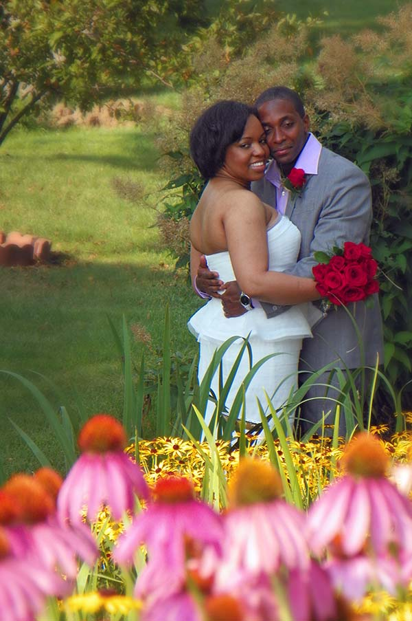 Wedding couple in Cloran Mansion garden